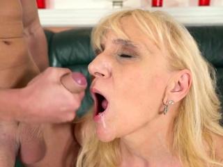 Older lady mouth jizzed