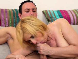 Smalltit euro mature fucked after showering