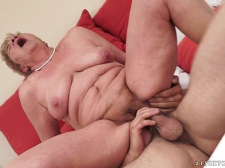 21Sextreme Video: Granny Licks a Dick