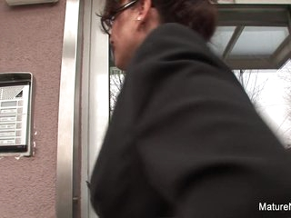 Brunette Grandma Fucks 2 Others Before Blowing The Cameraman - Mature'NDirty