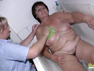 OldNannY Capturing Granny Showering