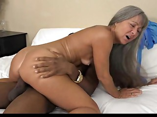 Mature Outstanding Body Fucked In Hotel From Her Black Lover