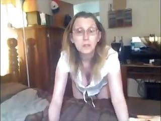 Mature Tits strip show