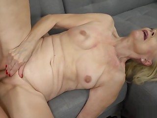 Beautiful blonde granny got her cunt fucked