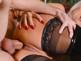 Anal Sex With Busty 60yrs Mommy