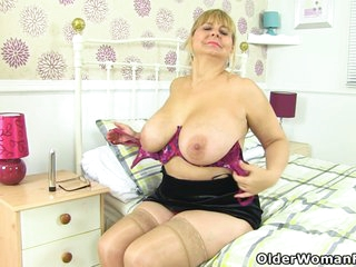 Lacey Starr In Heavy Titted Grandma From England Gets Distracted While Dusting